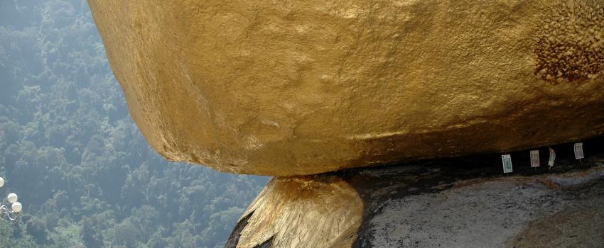 Buddhas Goldener Felsen in Kyaiktiyo
