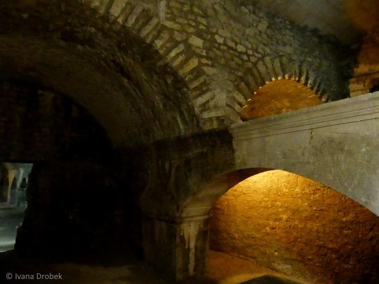 Arles Kryptoporticus
