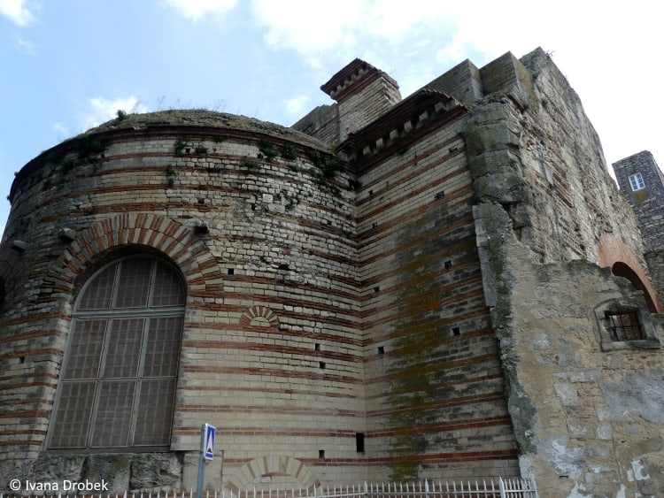 Arles Therme